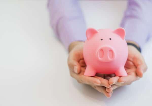 8 maneiras rápidas e fáceis de ganhar dinheiro extra em casa