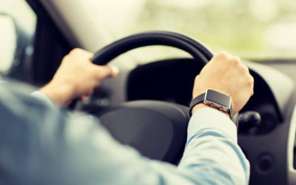 5 dicas para você melhorar a sua postura ao dirigir
