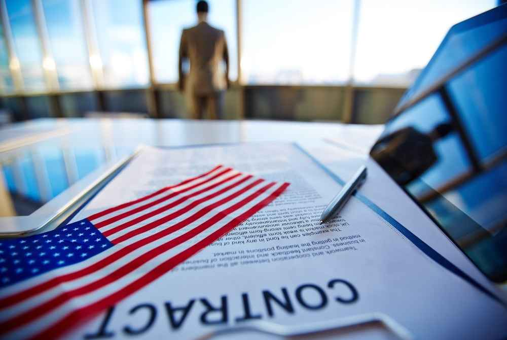 EUA adiciona 379 mil empregos, em sinal de esperança para economia