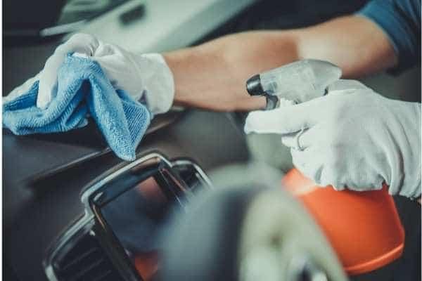 4 dicas na hora de limpar o interior do seu carro